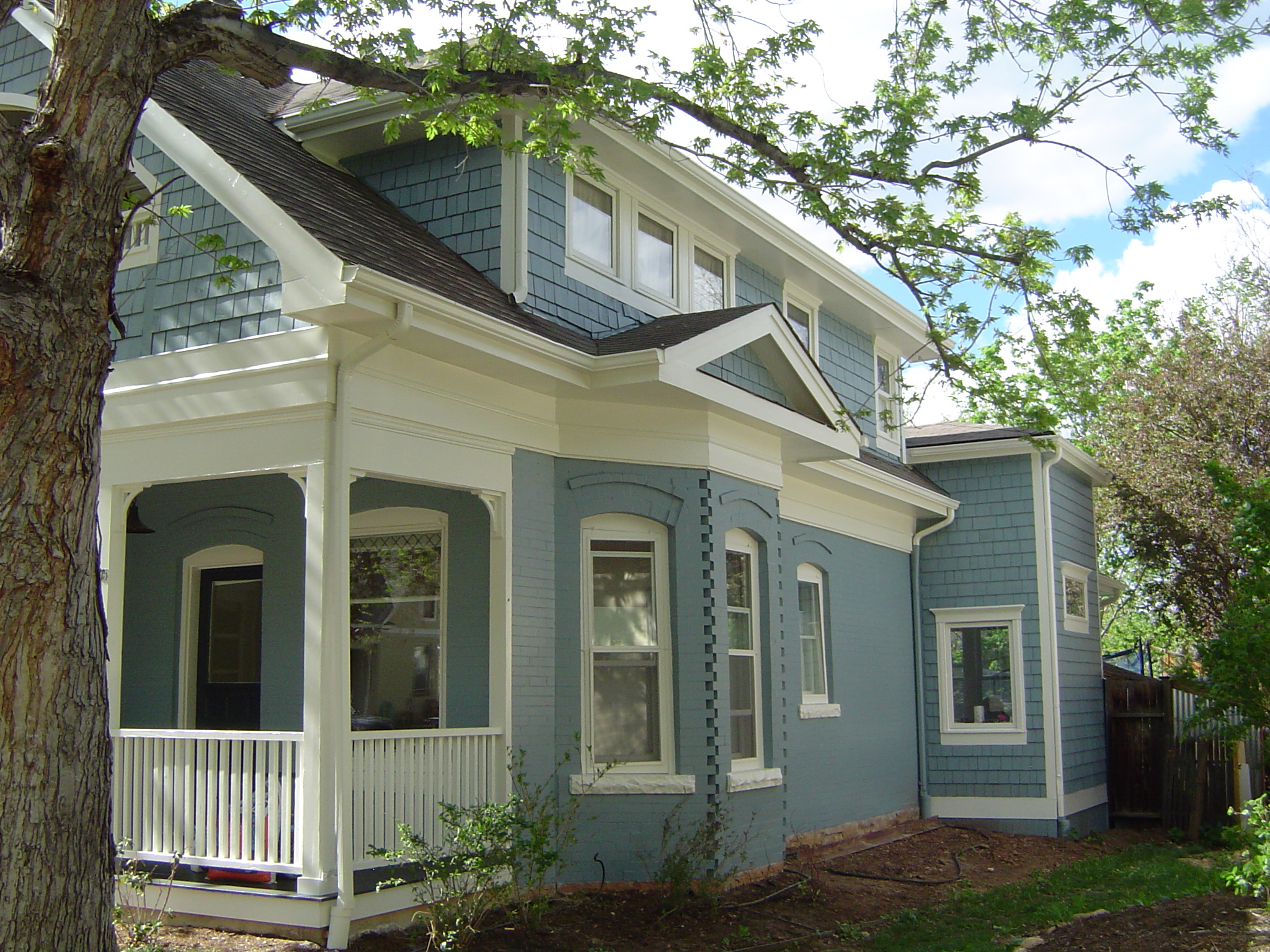 Great exterior re paint on newly updated historic home in downtown boulder maurerpainting for Historic house colors exterior