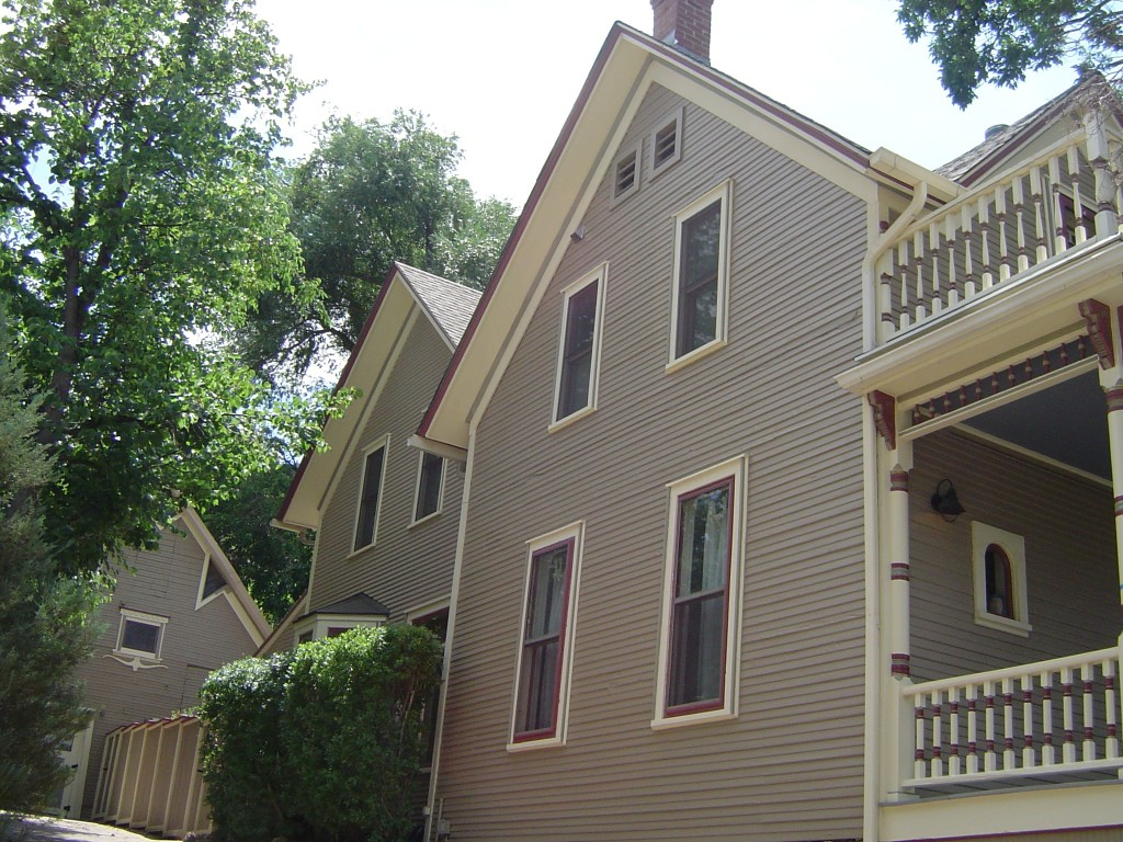 Beautiful exterior result great color combination for Beautiful exterior paint color combinations